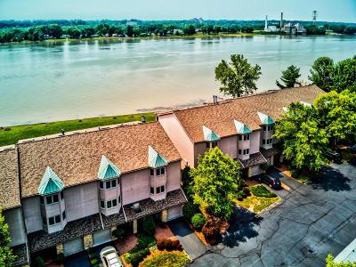 Jeffersonville Condo/Townhouse For Sale: 2200 Utica Pike Pike #7