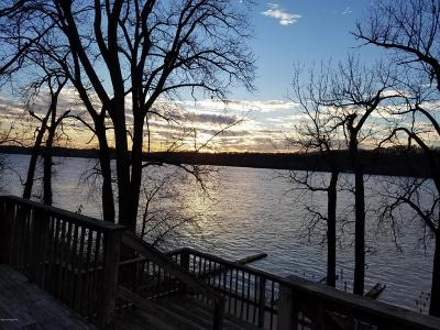 Oldham County Single Family Home For Sale: 1526 Riverside Dr