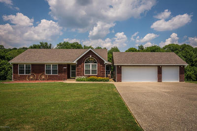 Spencer County Single Family Home For Sale: 1211 Pin Oak Dr