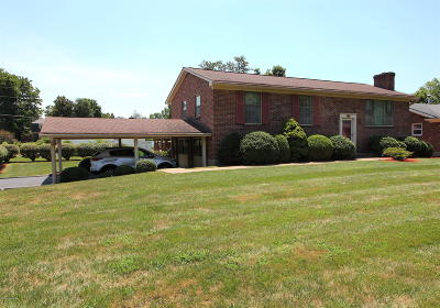Louisville Single Family Home For Sale: 9818 Somerford Rd