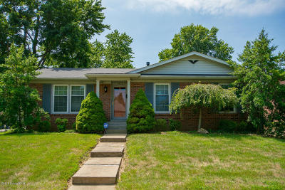 Louisville Single Family Home For Sale: 7506 Colson Dr