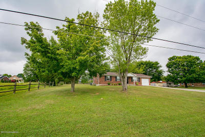 Bullitt County Single Family Home For Sale: 148 Village Circle Dr