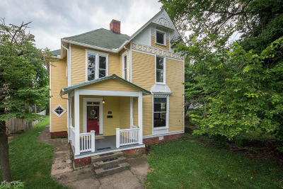 Shelbyville Single Family Home For Sale: 814 Main St
