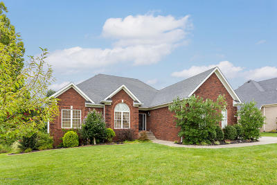 Louisville Single Family Home For Sale: 9814 Secretariat Dr