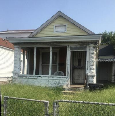 Louisville Single Family Home For Sale: 2511 Griffiths Ave