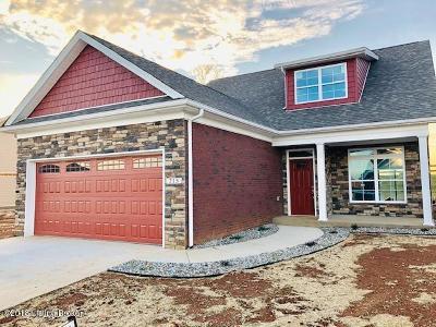 Vine Grove Single Family Home For Sale: 215 Royal Birkdale Ct
