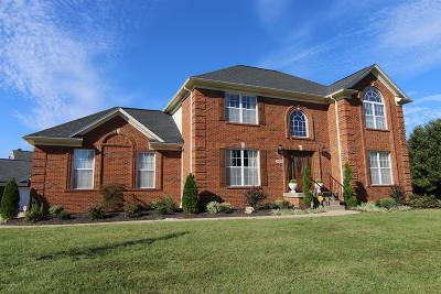 Louisville Single Family Home For Sale: 11114 Herring Ct
