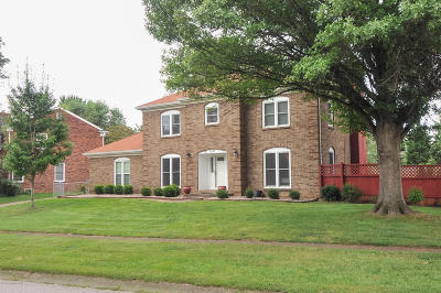 Louisville Single Family Home For Sale: 8813 Swan Hill Rd