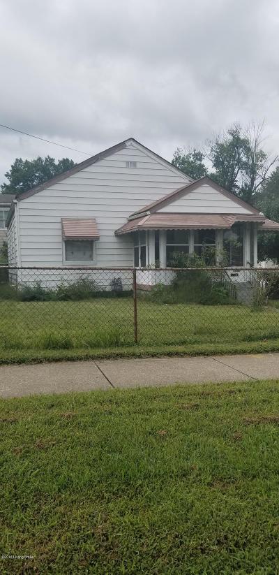 Louisville Single Family Home For Sale: 1006 Louis Coleman Jr Dr
