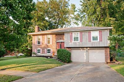 Louisville Single Family Home For Sale: 301 Hemingway Rd
