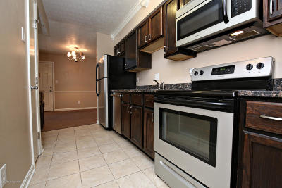 Louisville Condo/Townhouse For Sale: 9802 Whipps Mill Rd #2