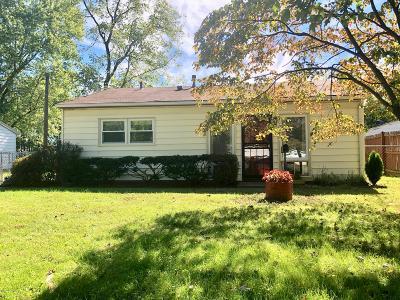 Louisville Single Family Home For Sale: 10017 Donau Ln