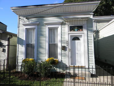 Germantown Single Family Home For Sale: 954 Vine St
