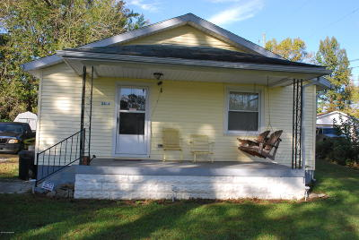 Louisville Single Family Home For Sale: 8816 W Manslick Rd