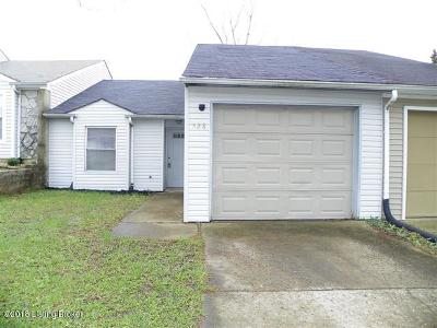Radcliff Single Family Home For Sale: 528 Independence Ct