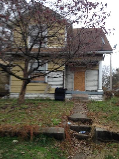 Louisville KY Single Family Home For Sale: $30,000