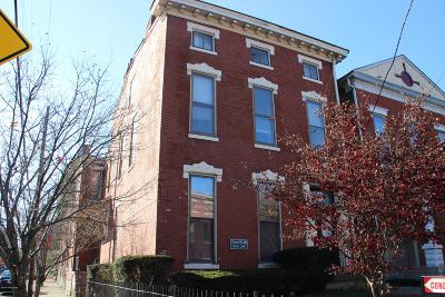 Condo/Townhouse For Sale: 130 E Oak St #5