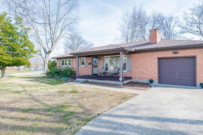 Louisville Single Family Home For Sale: 3227 Greendale Dr