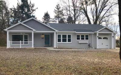 Single Family Home For Sale: 7208 Woodhaven Rd