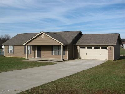 Elizabethtown Single Family Home For Sale: 252 Clearfield Dr