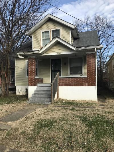 Louisville Single Family Home For Sale: 2121 W Lee St