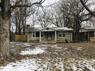 Single Family Home For Sale: 8461 Robbins Rd