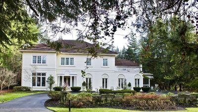 Single Family Home For Sale: 22 Stonebridge Rd