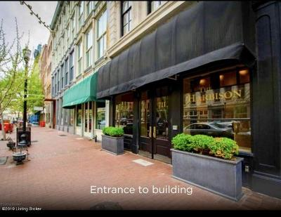 Condo/Townhouse For Sale: 711 W Main St #F
