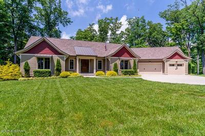 Floyds Knobs Single Family Home For Sale: 4945 S Skyline Dr