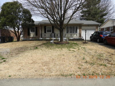 Louisville Single Family Home For Sale: 9211 Old Six Mile Ln