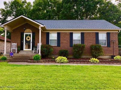 Shepherdsville Single Family Home For Sale: 379 River Oaks Dr