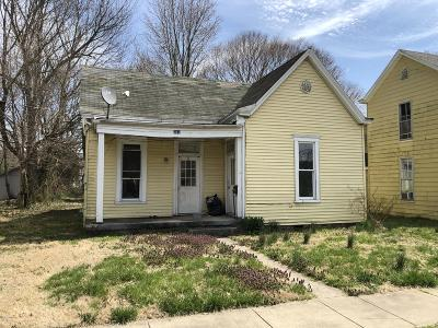 Carroll County Single Family Home For Sale: 901 Sixth St