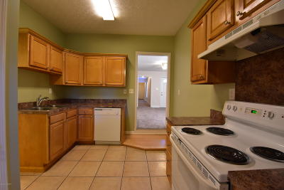 Single Family Home For Sale: 618 E Kentucky St