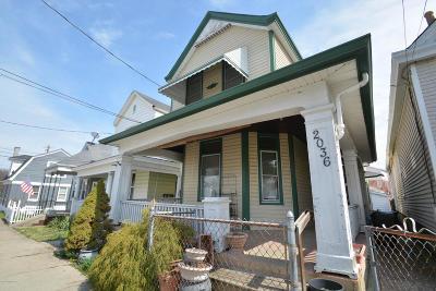 Single Family Home For Sale: 2036 Garrard St