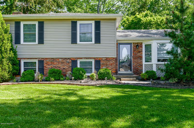 Louisville Single Family Home For Sale: 9413 Tiverton Ct