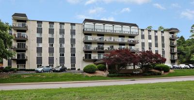 Louisville Condo/Townhouse For Sale: 740 Zorn Ave