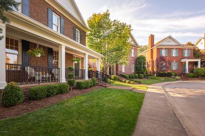 Louisville Single Family Home For Sale: 8403 Broecker Blvd