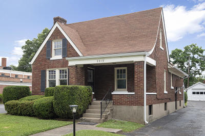 Louisville Single Family Home For Sale: 2219 Hawthorne Ave