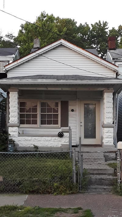 Louisville Single Family Home For Sale: 2543 Griffiths Ave