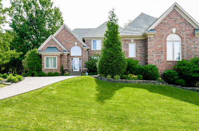 Louisville Single Family Home For Sale: 1607 Majestic Woods Pl