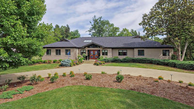 Louisville Single Family Home For Sale: 6208 Glen Hill Rd