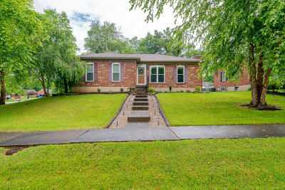 Louisville Single Family Home For Sale: 8801 McKenna Way