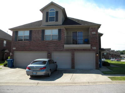 Louisville Condo/Townhouse For Sale: 5925 Dewitt Dr