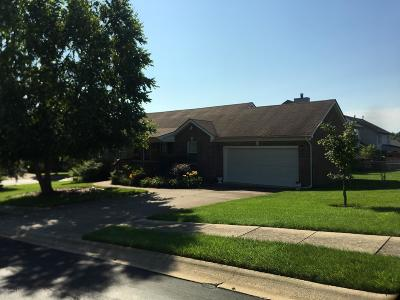 Louisville KY Single Family Home For Sale: $182,000