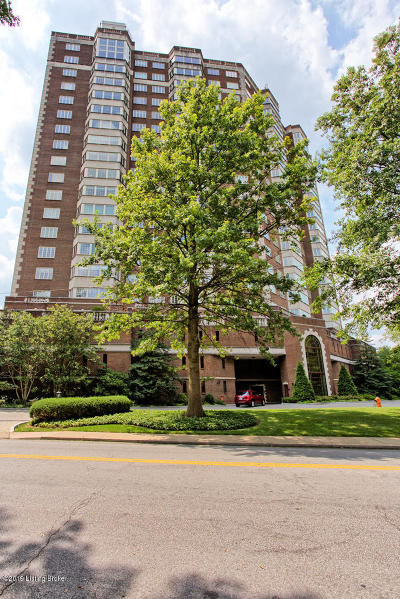 Louisville Condo/Townhouse For Sale: 1400 Willow Ave #504