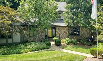 Louisville Single Family Home For Sale: 1400 Northwind Rd