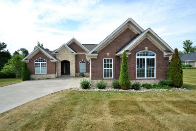 Floyds Knobs Single Family Home For Sale: 3411 Royal Lake Dr