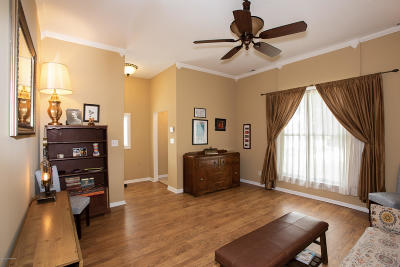 Louisville Single Family Home For Sale: 528 Zane St