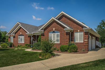 Louisville Single Family Home For Sale: 10807 Briar Turn Dr
