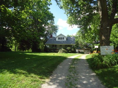 Louisville Single Family Home For Sale: 14607 Old Taylorsville Rd